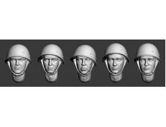 ARM356017 Soviet heads in helmets (WWII) (set 1)