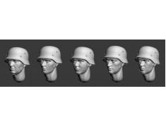 ARM356027 German heads in steel helmets (WWII) (set1)